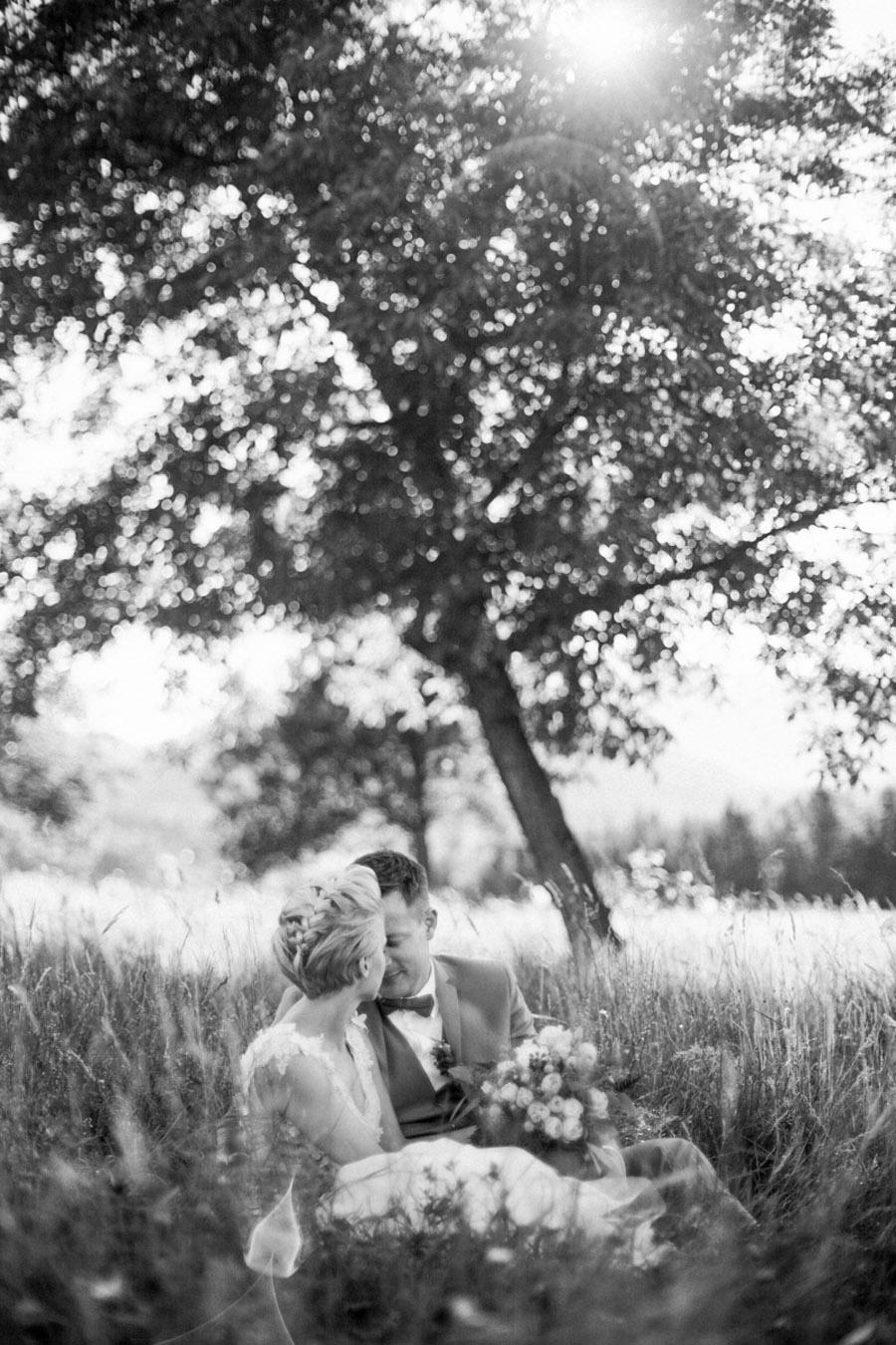 porocna fotografija-vintage-rustic-ribnik pri lisjaku-galerija okusov-poroka-jasna-ales (63)